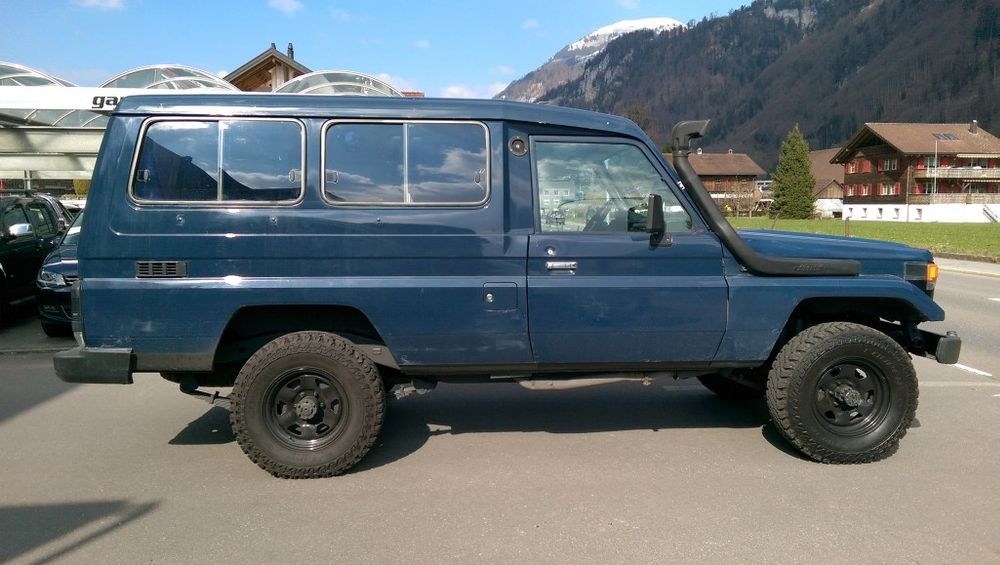 Toyota Land Cruiser 400 Hdt Long 4.2D