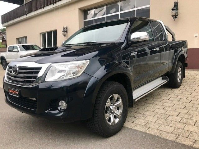 Toyota Hilux 2.5D 4WD Extra Cab Sol