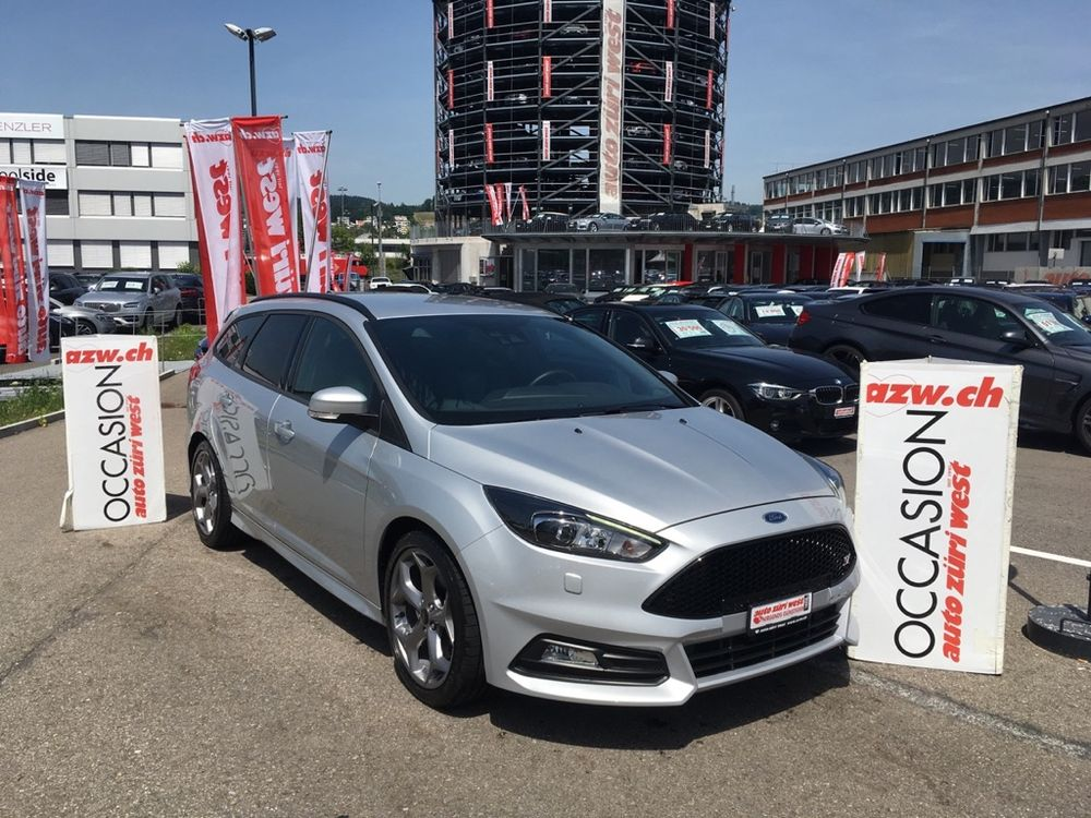 Ford Focus Turnier 2.0 SCTi ST2 250PS