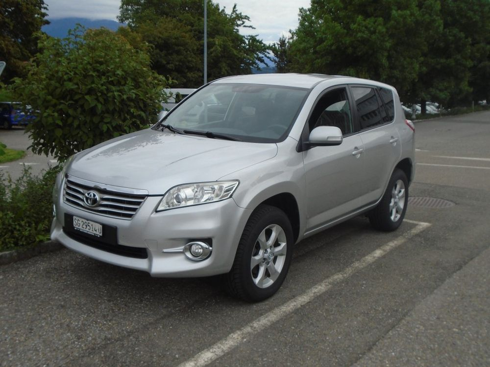 Toyota RAV-4 2.2D-CAT Linea Luna AT