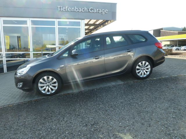 Opel Astra J Sports Tourer 2.0 CDTI Enjoy