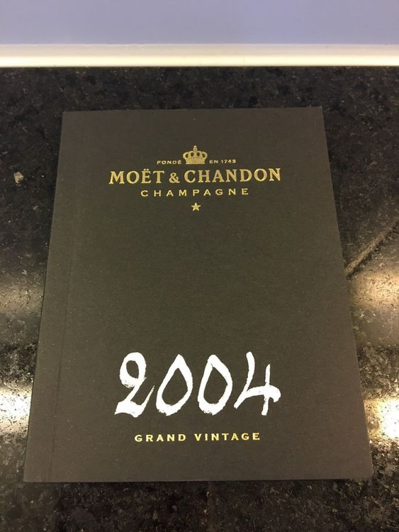 Booklet CHAMPAGNER MOET et CHANDON 2004!