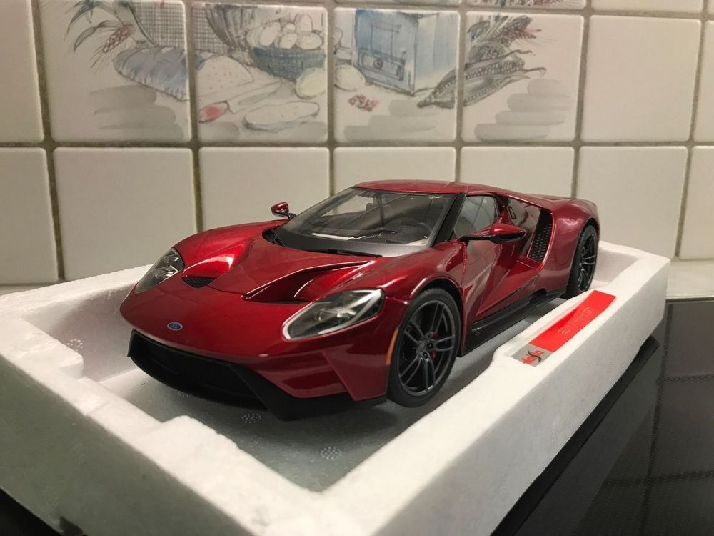 Ford Gt Exklusive Line   Rot Maisto