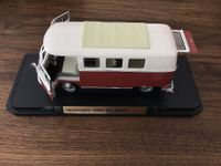 Die Cast Metal 1:18 VW Bus 1962  Deluxe
