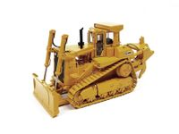 1:48 CCM D9LTrack-Type Tractor