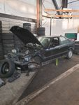 E36 323 Chassis mit Div. TEILE