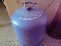 Gasflasche / Gamping etc.2,750 Kg.