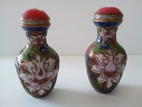 Chinese paire snuff bottle