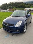 SUZUKI Swift 1.3i 16V GL Top 4x4