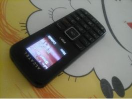 Dual Sim Handy:Alcatel One Touch OT1010D