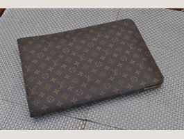 Louis Vuitton Pochette Jour GM