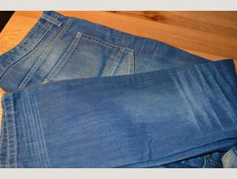 NEUE JEANS STRAIGHT FIT GR. 36X32
