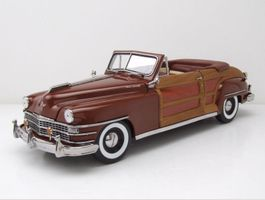 CHRYSLER TOWN AND COUNTRY 1:18 SUNSTAR