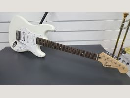 Squier Fender  made in Indonesia