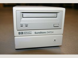 HP SureStore DAT24