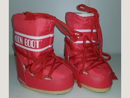 NEUVES ! Moon Boots rouges, 23-26