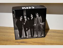 "Kiss - DressedToKill Box for 7"" Singles"