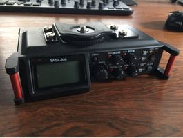 Tascam DR-70D Field Recorder DSLR Video