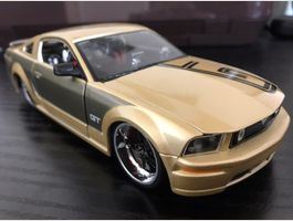 Ford Mustang GT. 1:24 Maisto