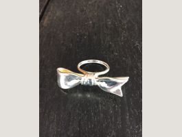 Witziger Ring