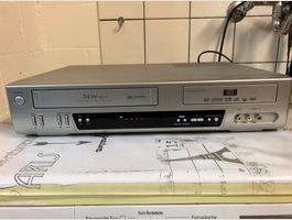 Tech line dvrc 700 vhs dvd recorder