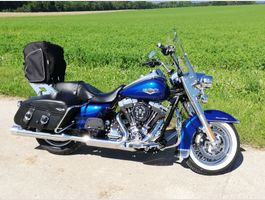 HARLEY-DAVIDSON FLHRC Road King Classic 103 ABS