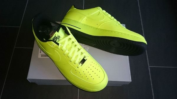 Nike Air Force One Gelb